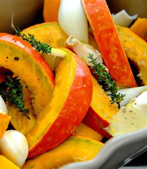 cuisiner le potimarron en l馮ume potimarron r 244 ti au four recette de ezgulian