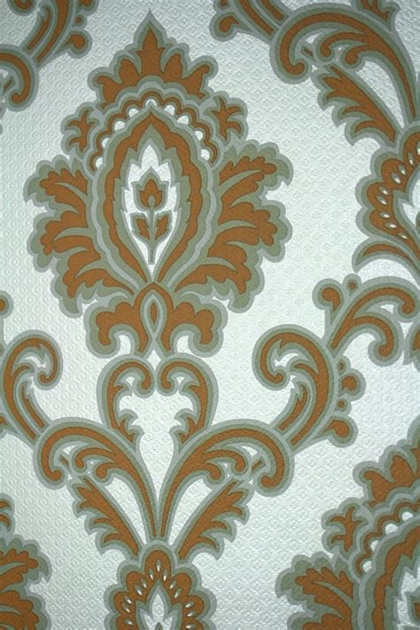stylish baroque wallpaper  white  silver background