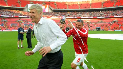 arsenal espn blog arsenal and arsene wenger approach critical season with