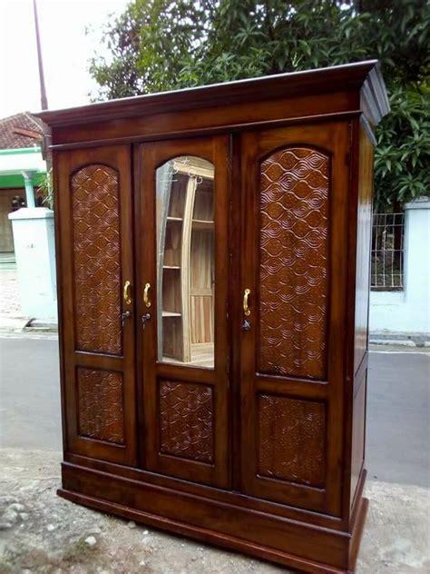 Lemari Pakaian Kayu Jati Ukiran lemari pakaian ukiran minimalisan putushima furniture
