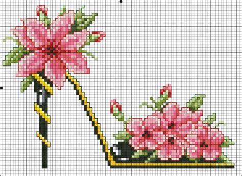 scarpe con fiori scarpa con fiori schema punto croce 5 magiedifilo it