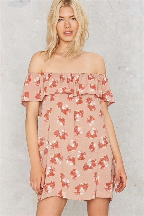8 Gorgeous Dresses by 8 Gorgeous The Shoulder Dresses For 100 Chic420