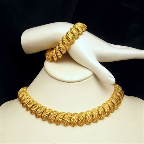 NAPIER Vintage Chunky Necklace Bracelet Set Gold Plated Nuggets Very Classy