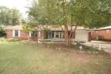 houses for sale in decatur al 2026 woodmeade st s decatur al 35601 foreclosed home information foreclosure homes
