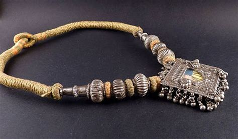Which Jewelry Style Moderncontemporary Or Traditionalethnic by History Of Indian Jewelry And Its Origin Traditional To