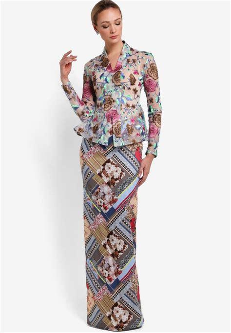 Setelan Kebaya Floya White 245 best images about traditional costume on traditional kebaya lace and kebaya