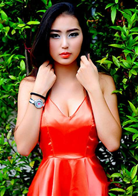 Find On By Name And Age Thai Name Rungsinee Age 18 City Chiang Mai Thailand Date These Beautiful