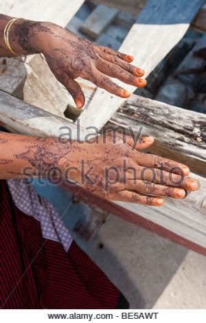 henna tattoo zanzibar a henna is painted on in celebration of