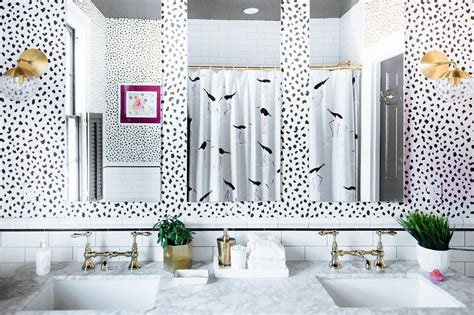 black and white bathroom with super white quartzite