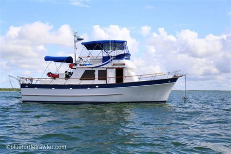 choosing the right liveaboard boat blue turtle trawler - Motor Boat Liveaboard