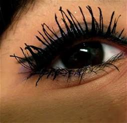 best things in beauty weekend rant clumpy eyelashes