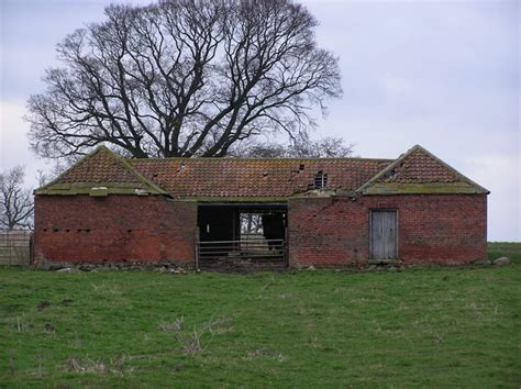 cow house file cold knuckles cow house geograph org uk 138074 jpg wikimedia commons