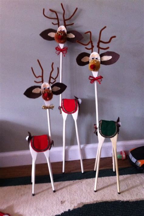 reindeer made out of wooden spoons holiday decorating