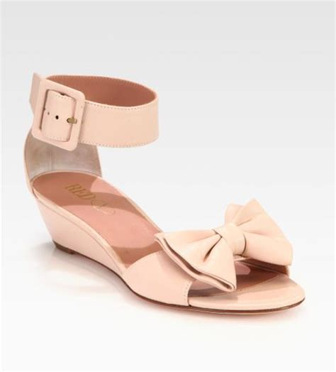 pink sandals with bow valentino leather bow sandals in pink lyst