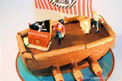 schiff kuchen kuchen schiff piraten schiff kindergeburtstag planen de