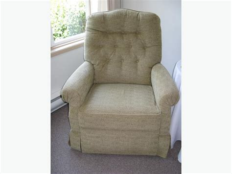 ladies lazy boy recliner elegant ladies recliner victoria city victoria