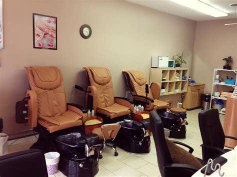 salons nail calgary sky nails boutique 82 photos nail salons 4706 26
