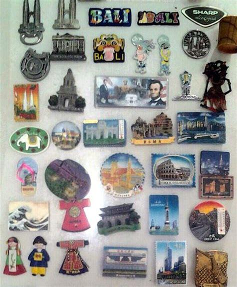 Souvenir Magnet Kulkas Hiasan Khas Laos kebiasaan unik yang ternyata sering dilakukan traveler saat jalan jalan