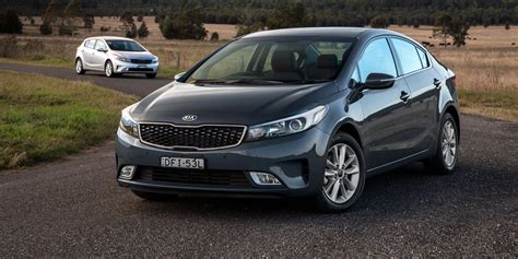 kia cerato fuel consumption 2017 kia cerato pricing and specifications photos 1 of 32