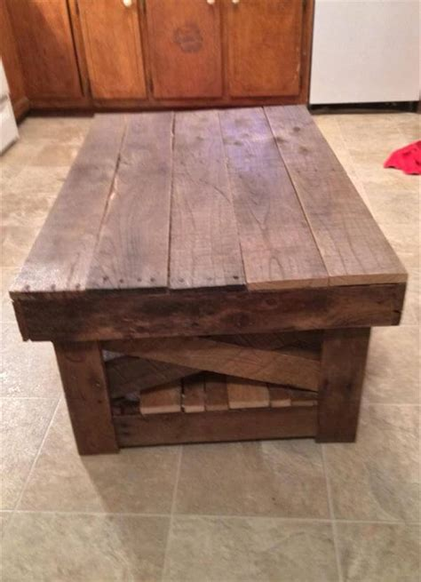 Diy Vintage Inspired Pallet Coffee Table Diy Pallet Coffee Table