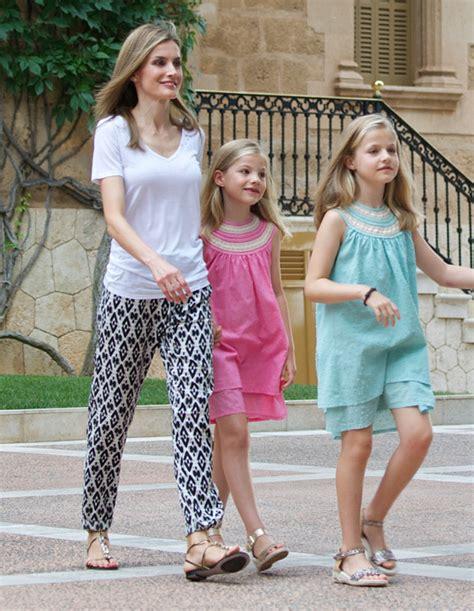 las hijas de espana 8466624856 191 qu 233 han hecho la reina letizia y sus hijas estos d 237 as mallorca