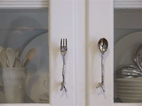 the right kitchen cabinet handles how to the right kitchen cabinet hardware