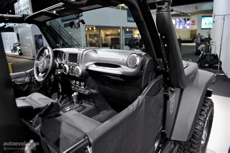 call of duty jeep green 2011 naias jeep wrangler call of duty black ops edition