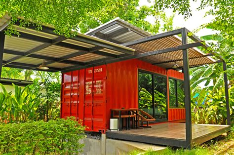 a canadian man built this off grid shipping container home a canadian man built this off grid shipping container home