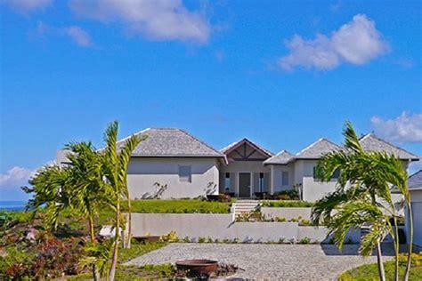 casa ai caraibi f1 hamilton battaglia legale da 4 milioni di per