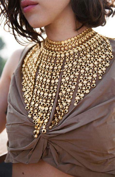 wear statement necklaces  trendy girls