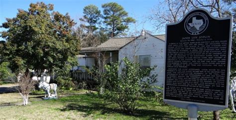 Port Arthur News Garage Sales by Janis Joplin S Childhood Home In Port Arthur Up For Sale