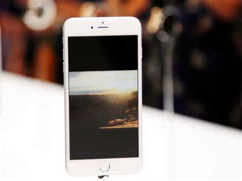 iphone 6 ahead of india launch iphone 6 selling for rs 1 lakh on ebay india the
