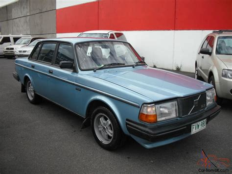 volvo   gle sedan automatic  reg run  drives excellent condition  vic