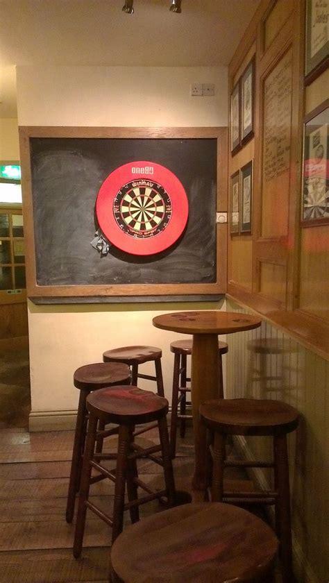 cool set    wrong   dart board