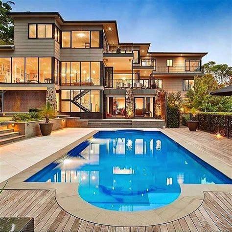 modern mansion 25 best ideas about modern mansion on pinterest modern