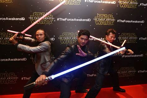 Iko Uwais Di Film Star Wars 7 | mengintip film star wars vii the force awakens penjaja kata