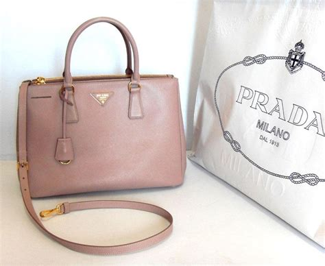 Prada Saffiano Size 25 103 best images about accessorize prada saffiano tote on leather totes peplum
