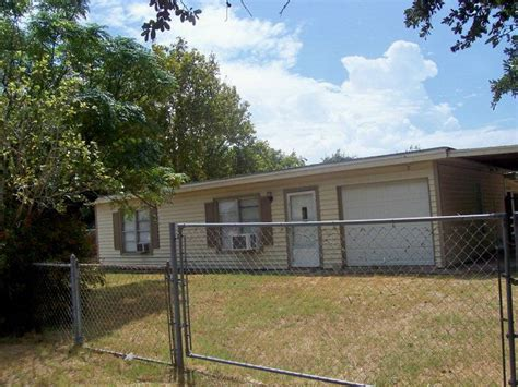 houses for rent rockport tx 317 e laurel st rockport tx 78382 home for sale and real estate listing realtor