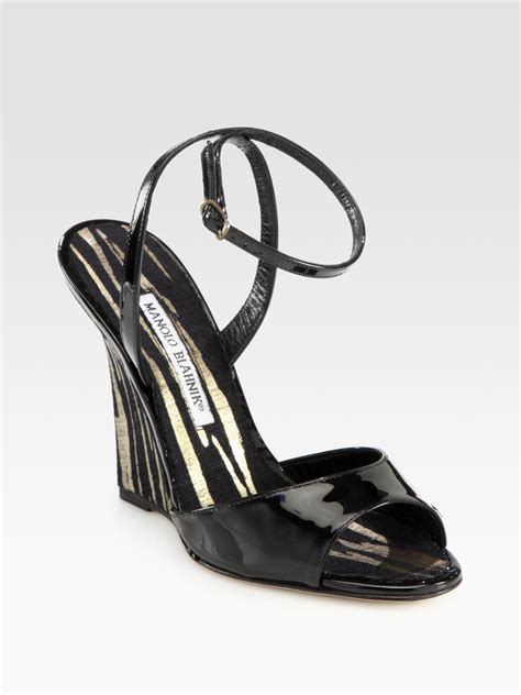 manolo blahnik pillino patent leather striped wedge