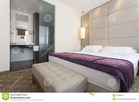 hotel avec baln駮 dans la chambre int 233 rieur d une chambre 224 coucher d h 244 tel de luxe avec la