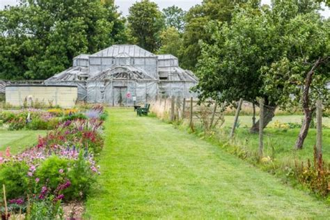 Walled Garden Luton Hoo Luton Hoo Walled Garden Bedfordshire History Visiting