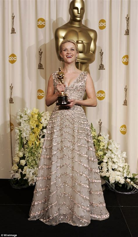 Oscars Forget by Hathaway Reflects On 2013 Oscar Win With Instagram
