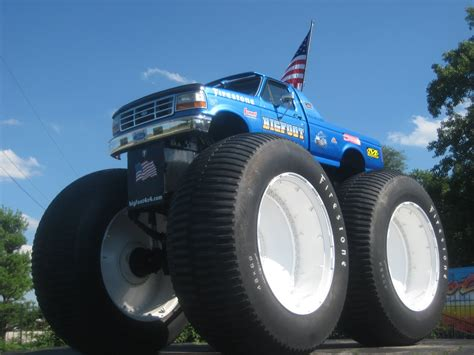 pictures of bigfoot monster truck one guy s guide to st louis bigfoot