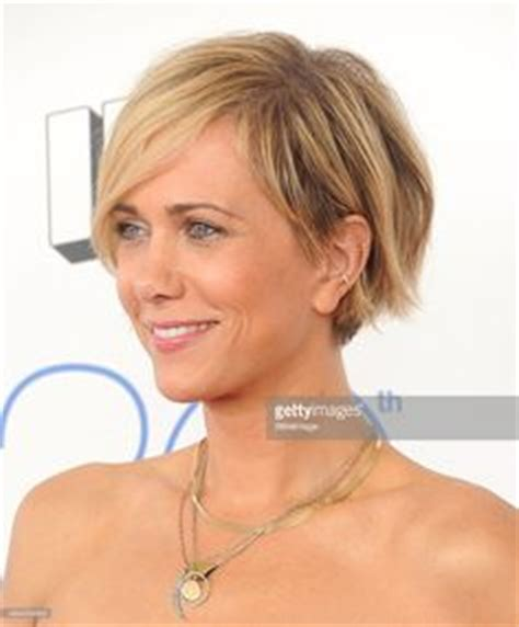 kristen wiig new hairstyles and haircuts daily hairstyles new kristen wiig attends the 2015 film independent spirit