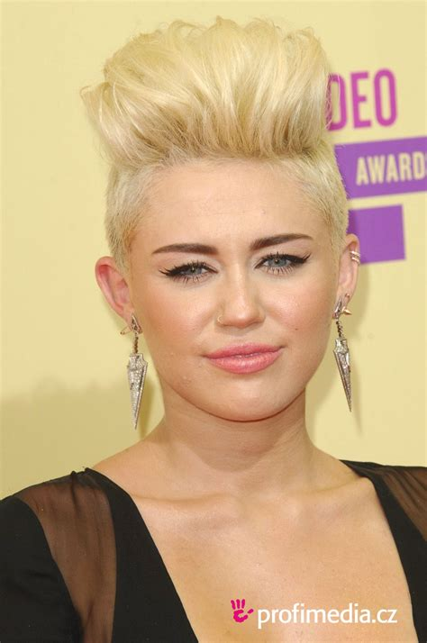 Miley Cyrus Hairstyles by Miley Cyrus Hairstyle Easyhairstyler