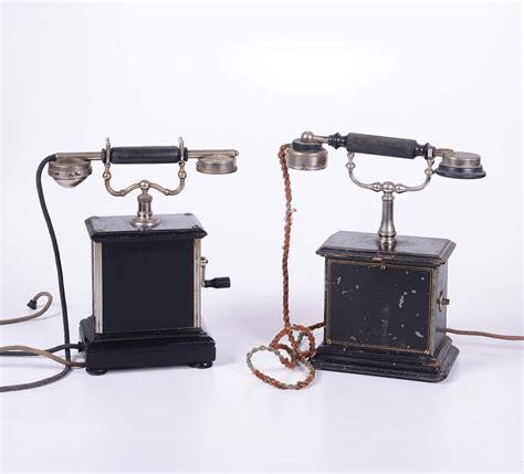 telefoni da tavolo coppia di telefoni da tavolo in legno verniciato nero