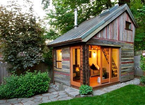 piccola casa piccole in legno mobili o fisse