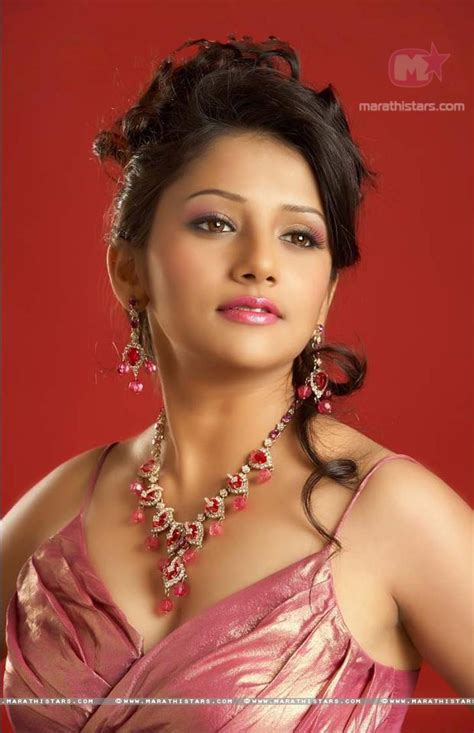 biography meaning marathi jui gadkari marathi actress photos wallpapers biography