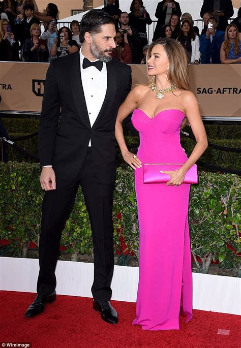 Latifa Silver Shofiya see how the wowed in green black and at the 2016 sag awards list of winners