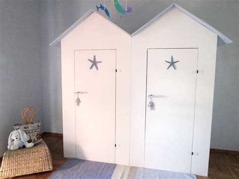 armadio bimbi l armadio dei bambini in una cabina cose di casa